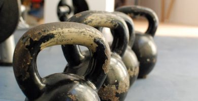kettlebells pesas rusas ejercicios gimnasio